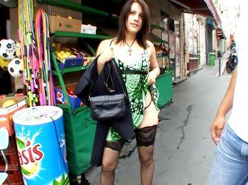 Une amatrice sodomisée devant son homme