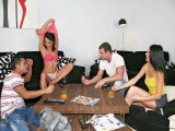 Partouze amateur après un strip poker