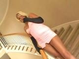 Jeune maman prise en double penetration par ses collegues