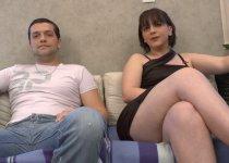 Couple amateur fran�ais se tape une vid�o de sexe pro