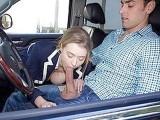 Une belle auto-stoppeuse se fait radicalement d�foncer par son chauffeur