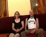 Jeune couple amateur tourne leur premier porno