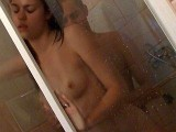 Il dfonce sa copine en levrette sous la douche