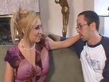 Belle maman baisee par un jeunot