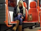 Vid�o POV d'une �tudiante blonde bais�e pour quelques billets