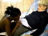 papy pervers suc� par sa jeune belle fille