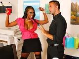 Sexuelle black se fait baiser pour trouver de l'emploi