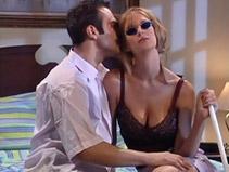 une femme aveugle bais�e par un pervers