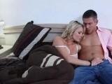 Nathalie pompe le dard de son homme au r�veil