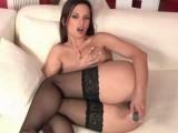 Sexe en solo avec la sensuelle Eve Angel