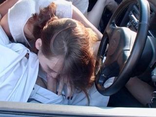 Jeune auto-stoppeuse se fait d�foncer par un chauffard
