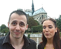 un jeune parisien baise chez lui une star du x !!!!