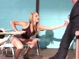 Etudiante coquine baise son prof de français