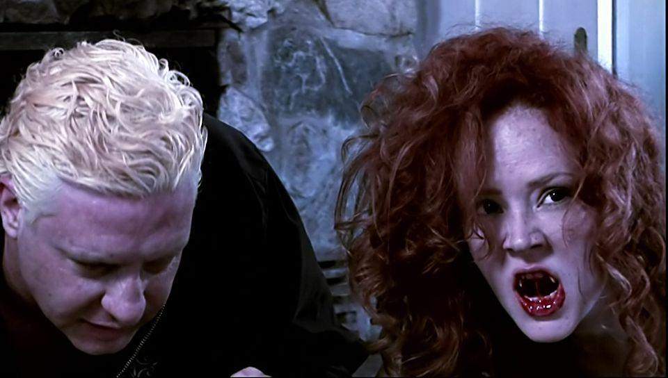 Femme vampire aime la bite