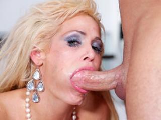 Mikki Lynn va se souvenir de cette pipe