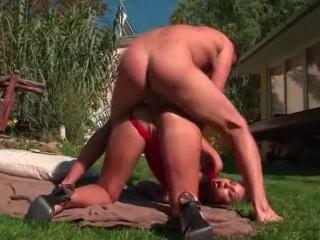 Sodomie au fond du jardin